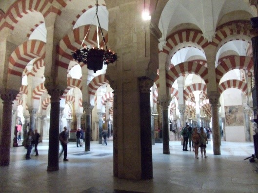 Photo 4. The columns and arches inside the Mesquita / Cathedral