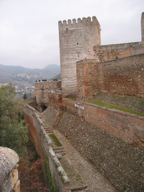 Photo 2. Walls and tower of the Alcazaba.