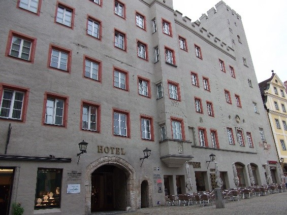 The façade of the modern Golden Cross Inn on Haidplatz.