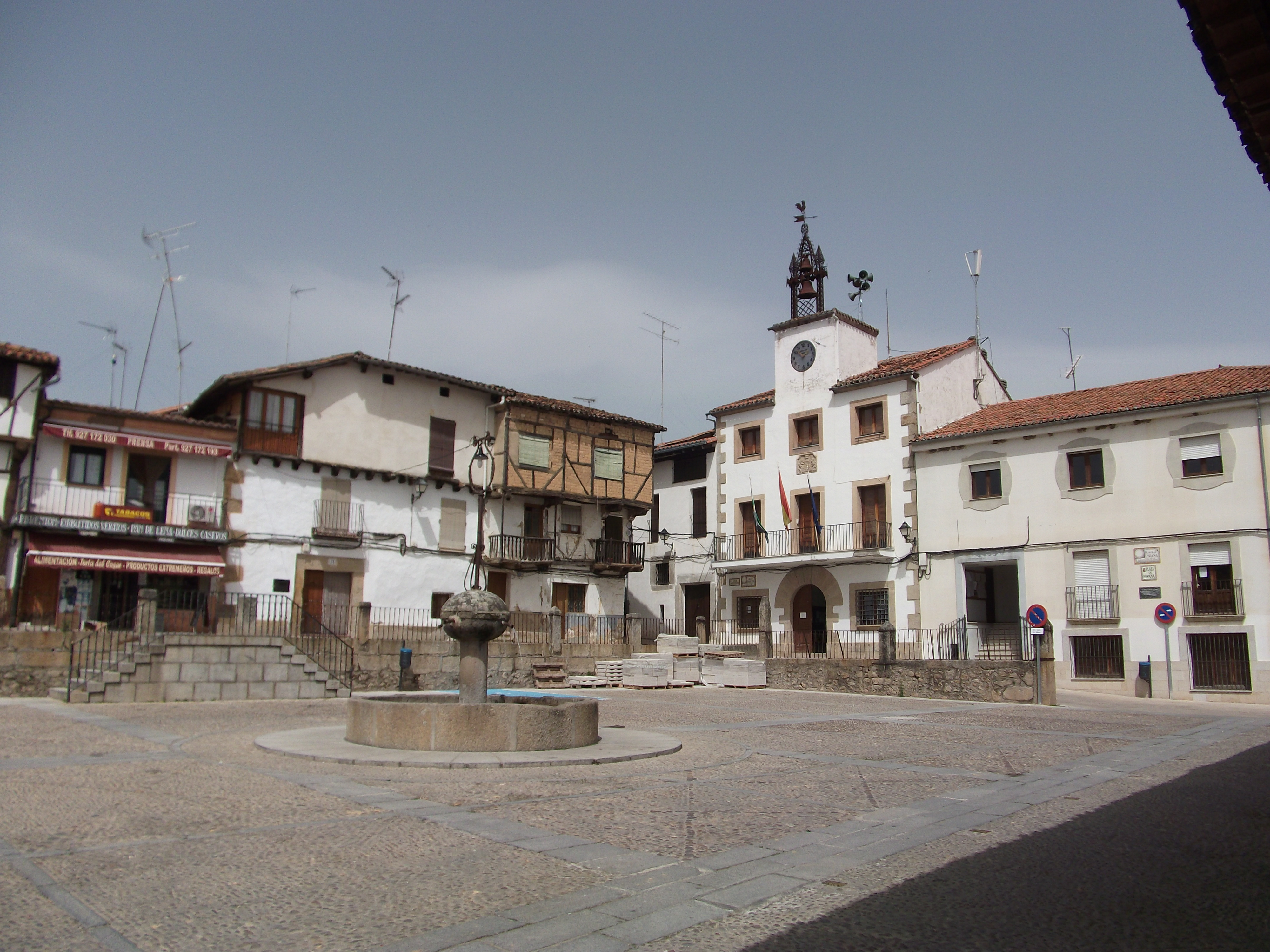 The town square at Cuacos de Yuste.