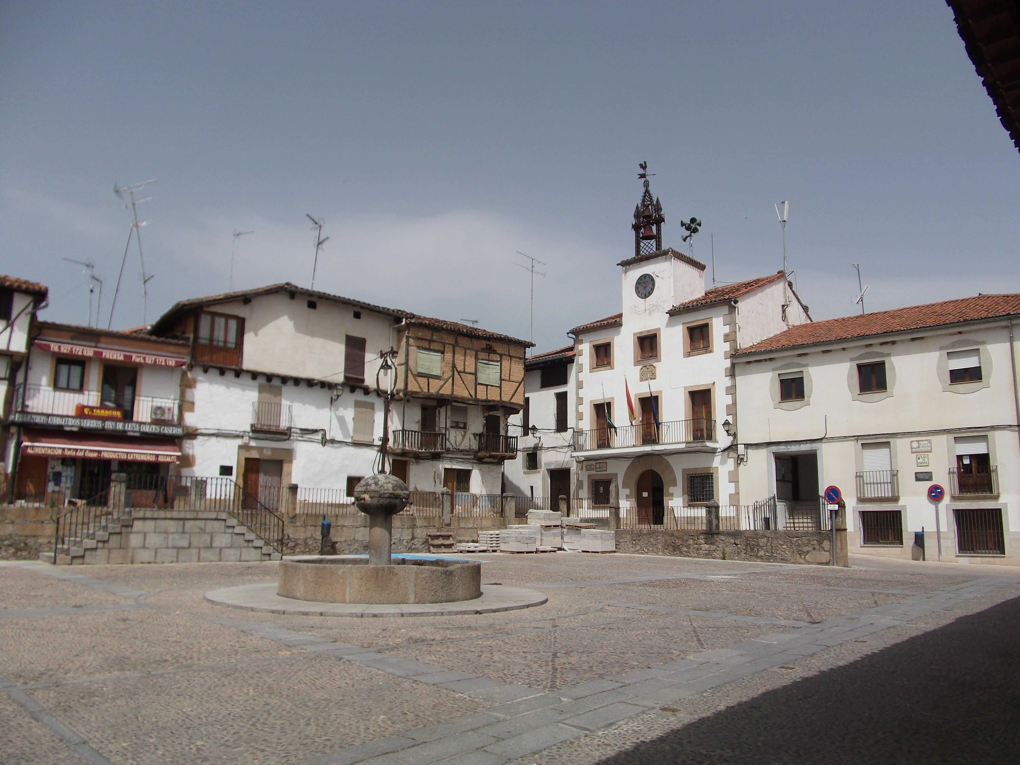 The town square at Cuacos de Yuste.